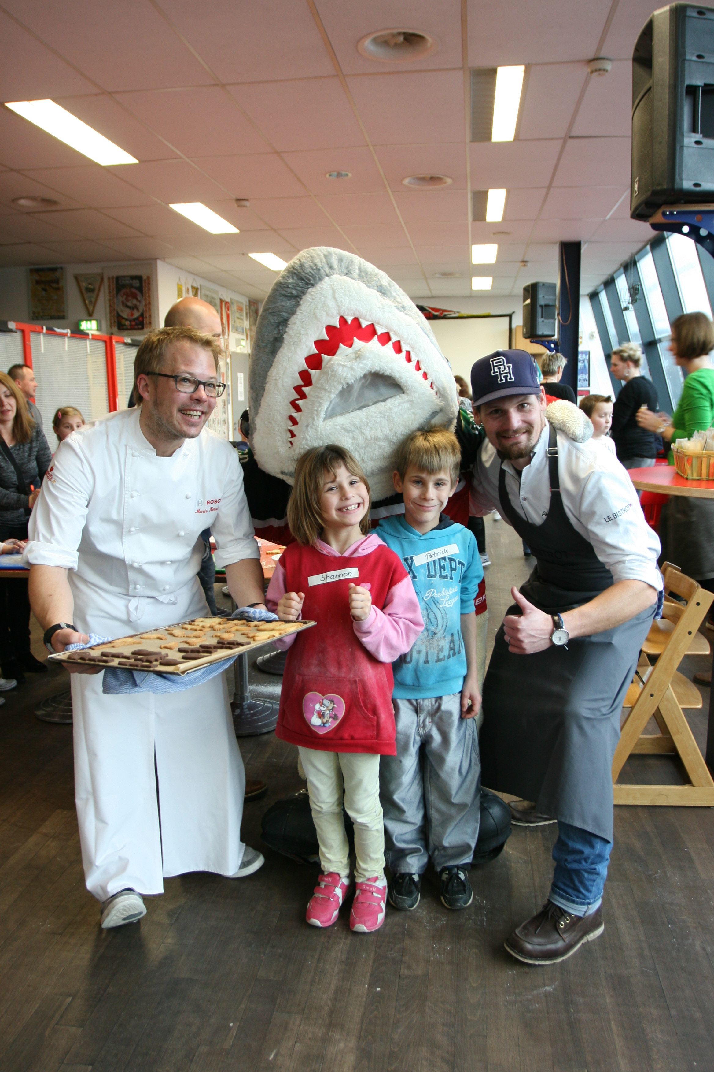 Mario, Philipp, Sharky und Kinder